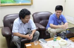 左:東大阪営業所所長 高橋様  右:商品課チームリーダー 大泊様